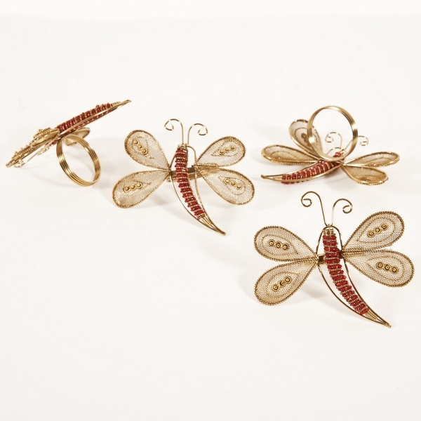 Summer is the time for catching dragonflies and tossing coins into wishing wells.: Catch Dragonfly, Dragonfly Napkins, Napkin Rings, Tabletop Dragonfly, Napkins Rings, Flying Napkins, Dragonfly Dreams, Toss Coins