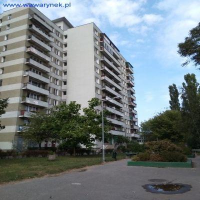Witam serdecznie-   zamienię ładne mieszkanie do remontu mieszczące się w Warszawie na ul.Bolesławickiej jest to super lokalizacja dla młodych ludzi z dziećmi,jak i dla starszych.   Mieszkanie jest 3 pokojowe wykupione (z lokatorskiego)