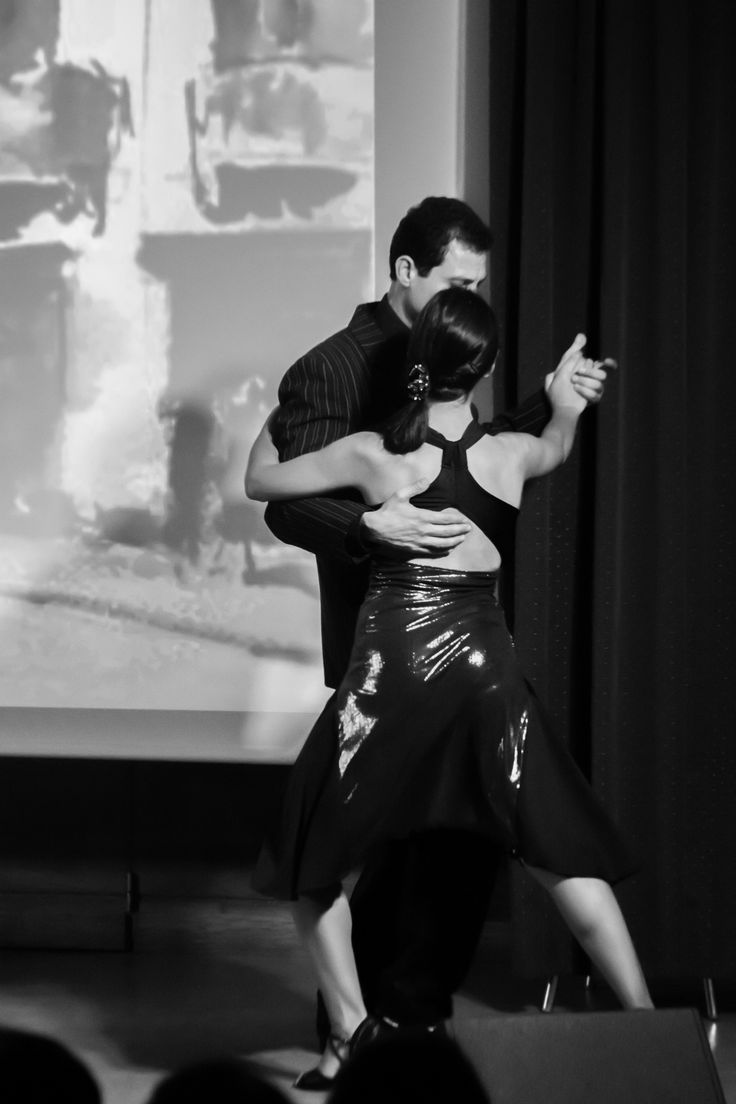 Cada Tango con su loco en el Instituto Francés de Valencia by Diego Moreno Delgado on 500px