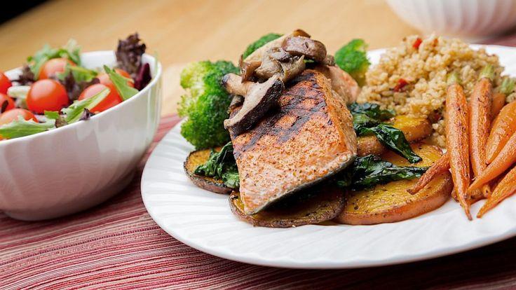 La dieta bilanciata e semplice del sito Health.com permette di dimagrire con pasti sani e un buon contenuto di proteine nobili: dura 5 settimane e permette di perdere fino a 5-6 chili.
