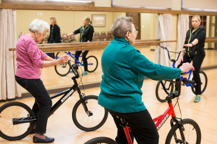 History in the making with the first STRIDER senior learn to ride class. Testing core balance with lifting the hands off the handle bars and stabilizing with core and back.