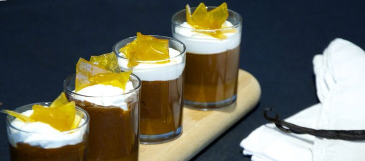 Bicchierini di cioccolato al caramello salato ricetta