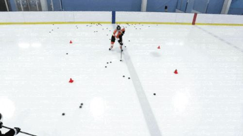 Hot GIF hockey nhl flyers giroux philadelphia flyers claude giroux pucks hockey skills