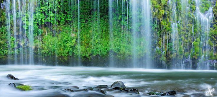 Mossbrae Falls, Sacramento River, Dunsmuir, California