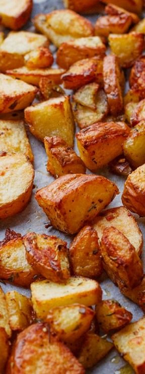 Garlic Cajun Roasted Potatoes — These easy oven roasted potatoes make the ideal side dish for a meat and potatoes dinner. Eatwell101.com
