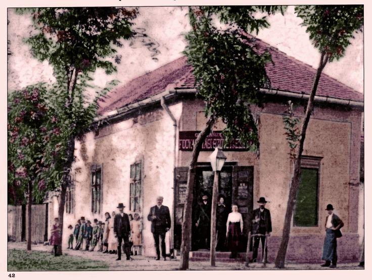 Kisújszállás Vegyesbolt a József Attila és Sásastó utca sarkán