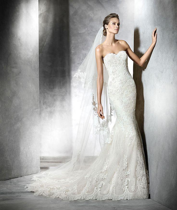 Pronovias 2016   Vestido de noiva - Modelo Princia em tule bege com aplicação de renda e guipura