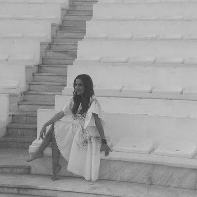 NYXTOΣΚΟΠΙΟ: Δέσποινα Βανδή :Ένα μουσικό ταξίδι στο Βεάκειο Θέα... http://nuxtoskopio.blogspot.gr/2015/09/blog-post_60.html