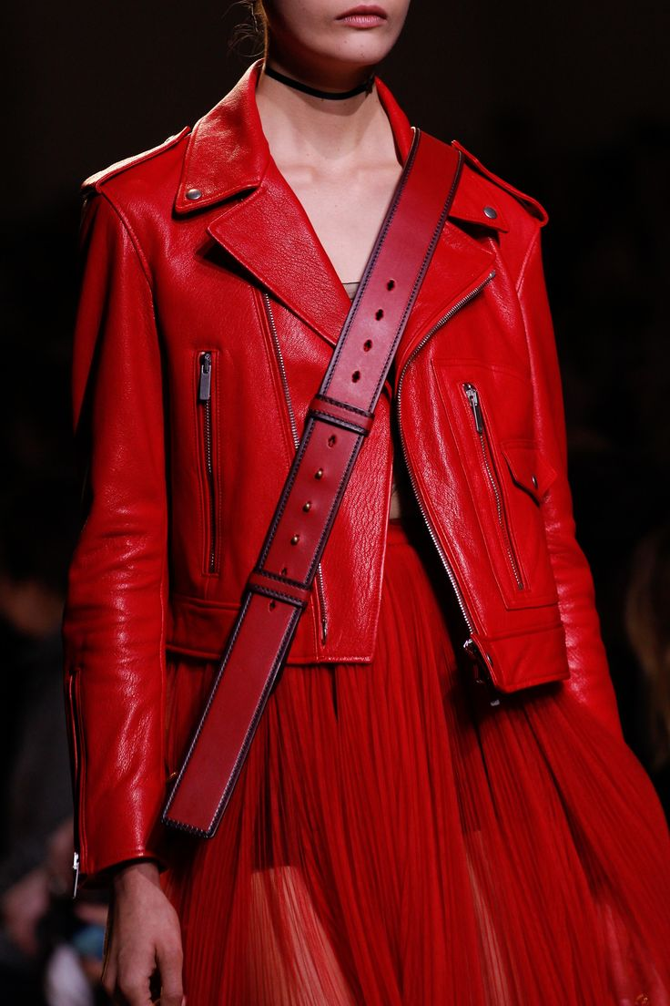 Christian Dior Spring 2017 Ready-to-Wear Accessories Photos - Vogue