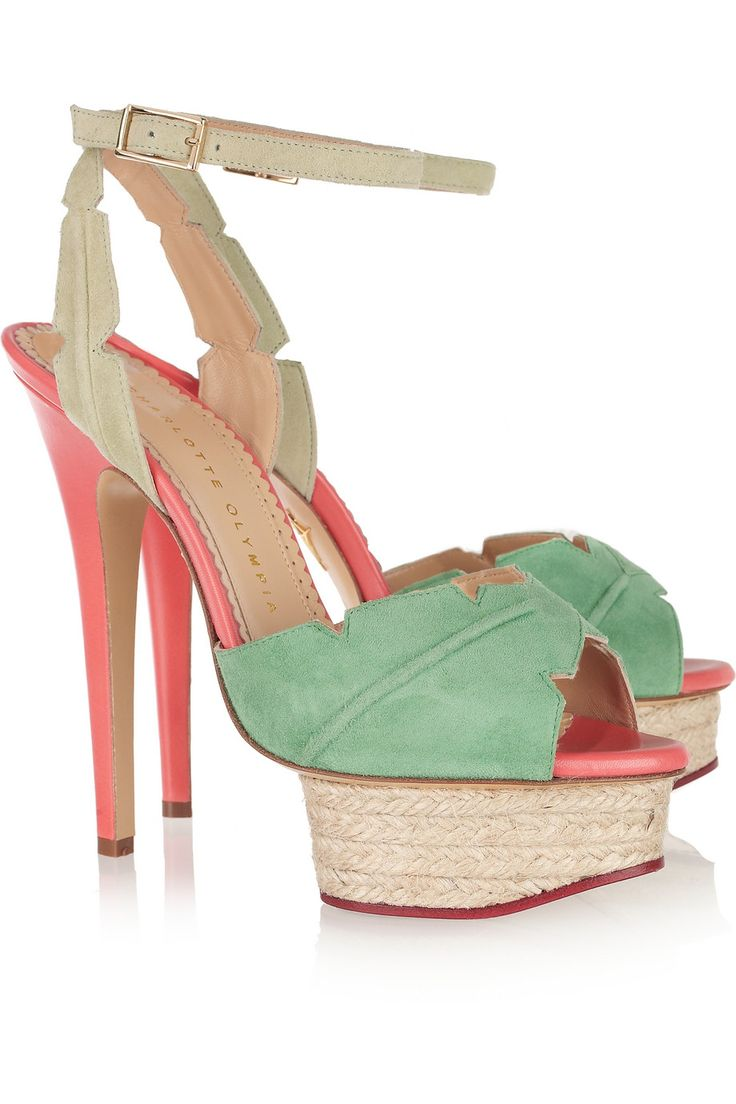 How cute is this suede sandal :) Spring is really in the air.