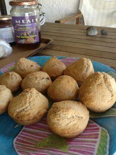Ψωμάκια μπύρας. Από την Πέπη και το Pepi's Kitchen. http://laxtaristessyntages.blogspot.gr/2012/05/blog-post_21.html