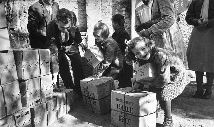 Jack Birns Σε κάποιο ορφανοτροφείο στην Ελλάδα του 1950