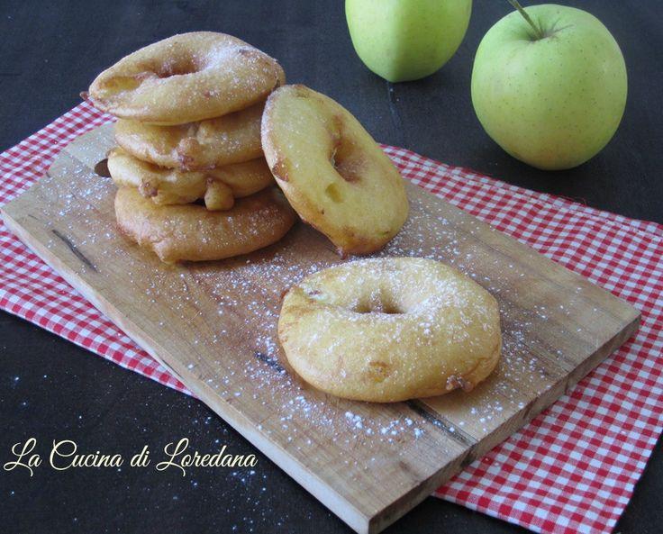 Soffici e profumate queste deliziose Ciambelle di mele fritte, veloci e semplici da preparare per la gioia dei piccoli di casa e non solo