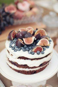 bolo decorados com frutas figos
