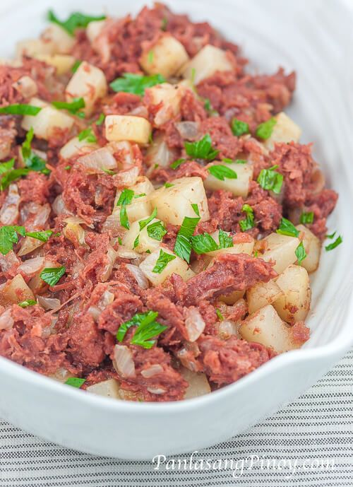 Corned Beef and Potato Casserole is a simple breakfast corned beef recipe that makes use of canned chunky corned beef and baking potatoes. It is quite similar to sautéed corned beef or corned beef guisado except that this particular dish is cooked a bit longer.