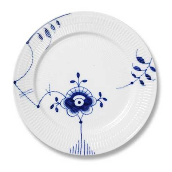 Mega Mussel from Royal Copenhagen - I love this pattern.