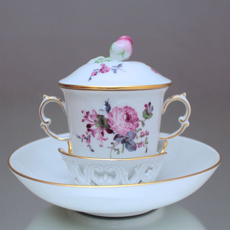 Meissen: Trembleuse Blumen Alte Manier, Deckeltasse, Schokoladentasse, Tasse, Cup, lid, chocolate cup and saucer, qntique flowers, copper clours, baroque, rococo