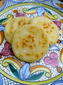 Arepas venezolanas Venezuelanska majsbröd Majs är som många kanske redan vet basfödan i många Sydamerikanska lände...