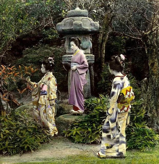 THREE GEISHA AND A STONE LANTERN --  Profiles in Meiji-era Loveliness by Okinawa Soba, via Flickr