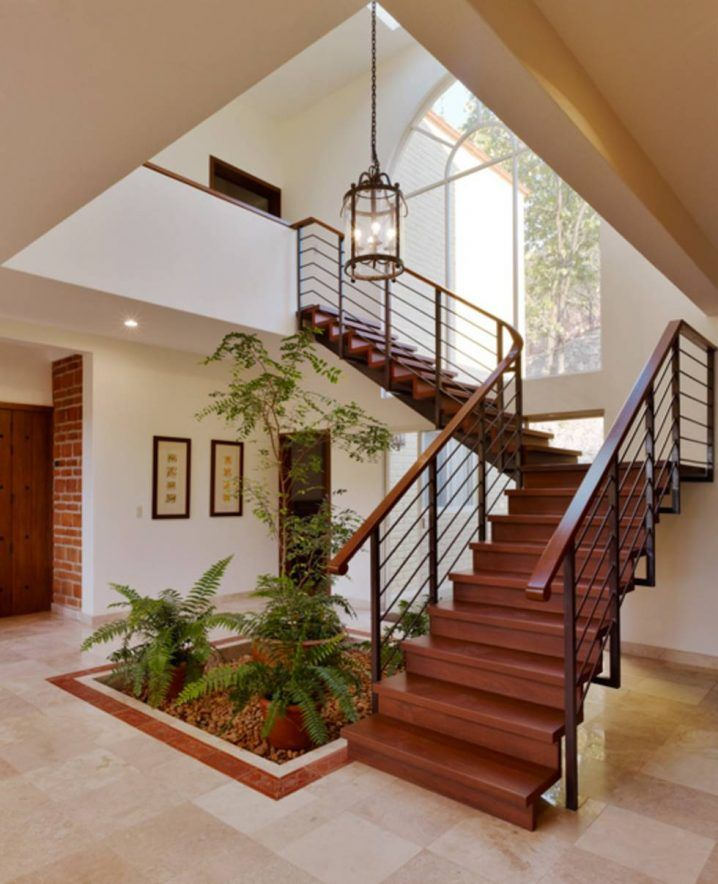 M s de 25 ideas incre bles sobre estilo colonial moderno - Decorar escaleras interiores ...