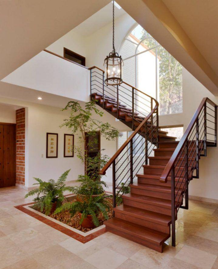 20+ Ideas Extraordinarias Decorar Bajo la Escalera con Guijarros y Plantas