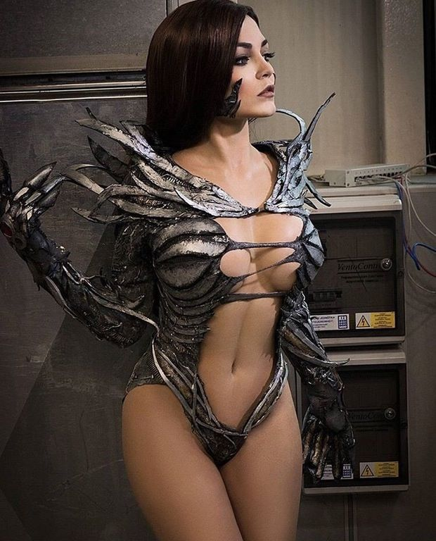 GoFreakMedia's Hot Sexy Cosplay • demonsee:   Witchblade by Christina Fink