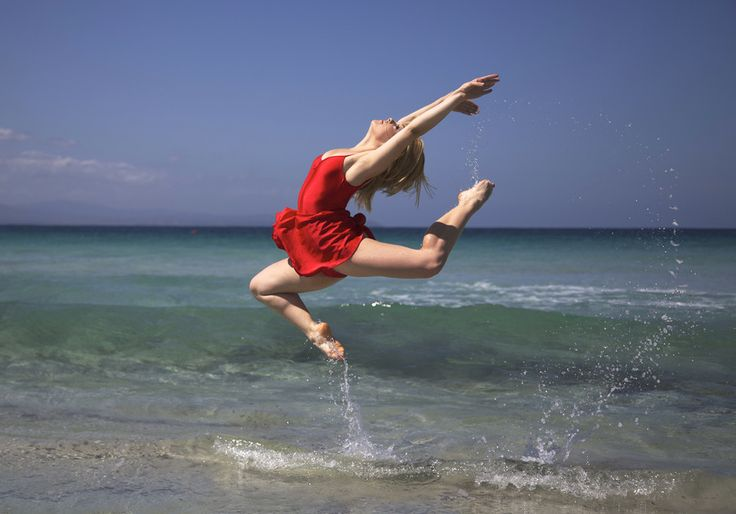 Dancing in the water by BarDaAngelo  on 500px