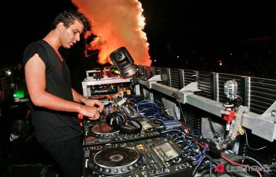 http://media.lessthan3.com/wp-content/uploads/2013/04/R3hab-lessthan3.jpg