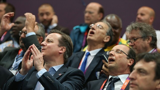 David Cameron and Francois Hollande are gripped by Handball match.Olympics #Olympics