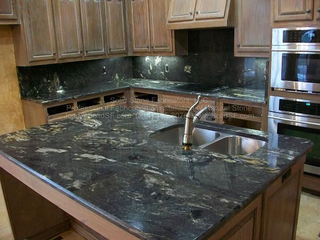 Dark Granite Countertops : Black hillcountrydesign Pinterest Black granite, Countertops ...