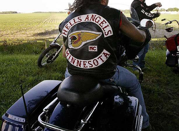 Hells Angels MC Nomads Support 81 Tshirt 1% in black - Hells ...