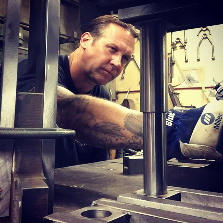 #BodieStroud Workin' Hard Building Stuff! Stay Tuned to www.BodieStroud.com to find out just what #BodieStroudIndustries has been building lately! Thanks!   #millerwelders @miller_welders #BSI #bsindustries #bodiestroud #steel #latenights #music #ezaline #machine #Miller