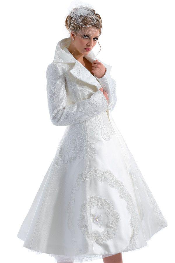 Ricercatezza nei tessuti e nelle forme in pieno stile anni '60. Audrey Hapburn ispira le neo #spose. #retrò #RomaSposa #anticipazioni