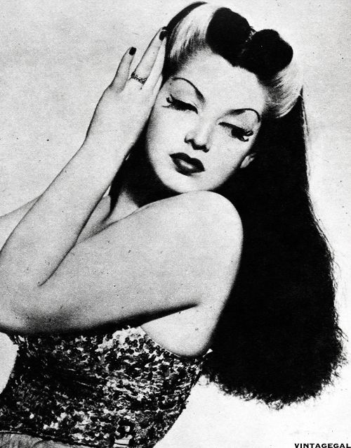 Burlesque dancer Zorita, 1942  this is how i want my hair, color and everything uggggh.