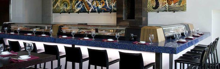 Les surfaces de verre recyclé Vetrazzo sont idéales pour les comptoirs de cuisine et de salle de bain ainsi que pour la construction ou la rénovation écoresponsable. | Vetrazzo
