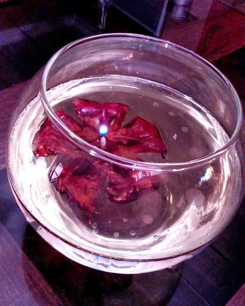 17 best images about velas on pinterest votive holder - Botellas con velas ...