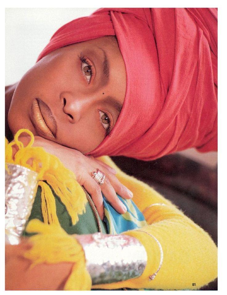 Gorgeous head wrap....Ms Badu.