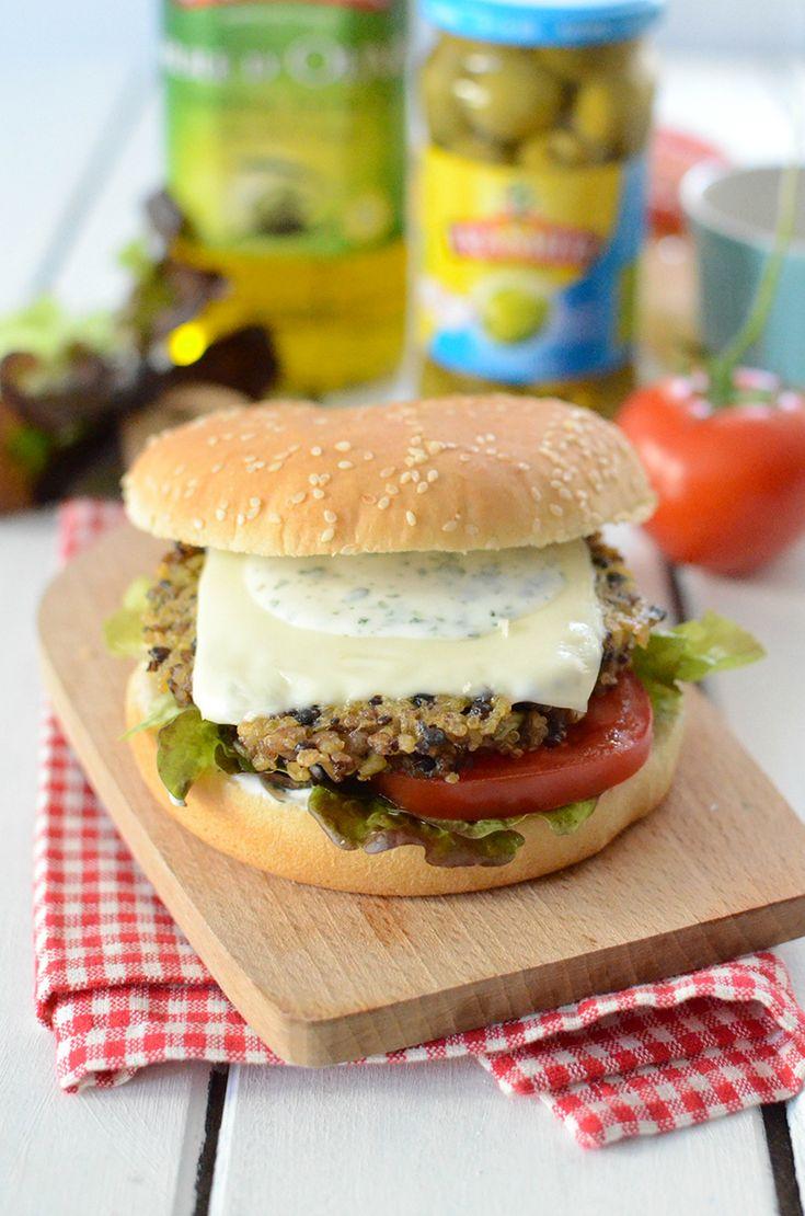 Une recette gourmande et équilibrée en pas à pas...   Déguster un burger alors que l'on est végétarien, ou encore avoir envie d'un burger sans les calories, c'est possible! Nous vous présentons une recette de burger simple, gourmande, équilibrée et végétarienne. Il suffit de remplacer la viande par un