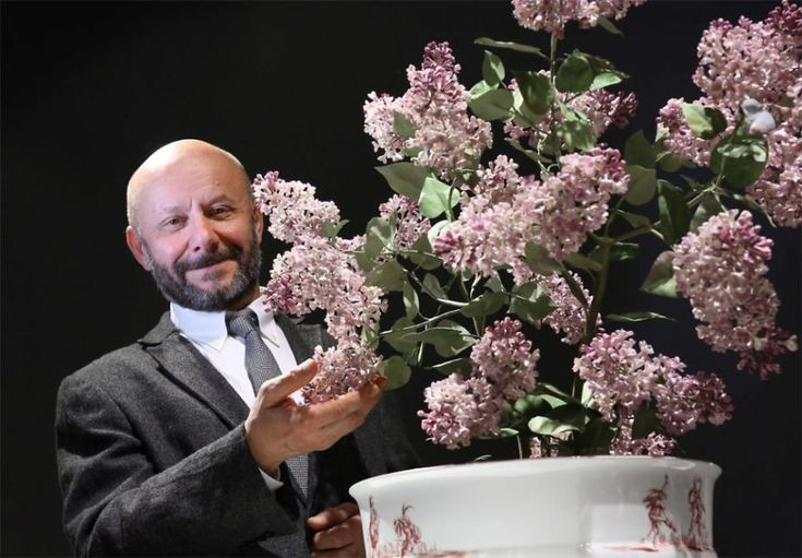 Vladimir Kanevsky with a lilac bush (from porcelain)