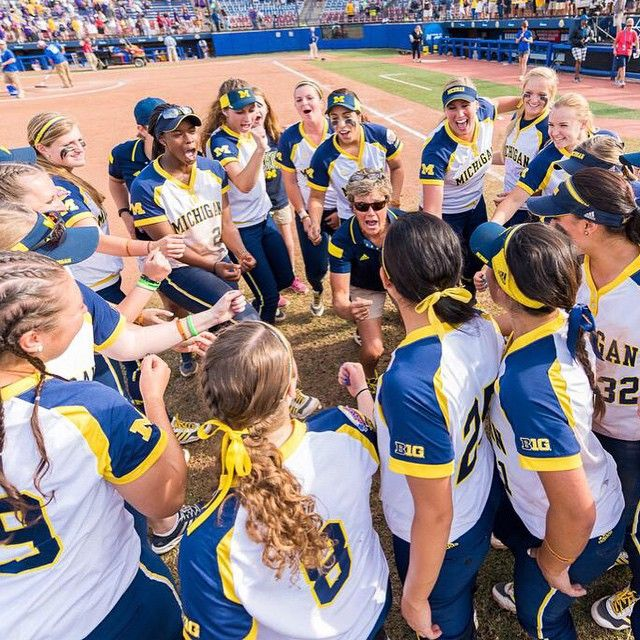 ICYMI, Wolverines rallied past LSU, 6-3, in the #WCWS semifinal last night. U-M will face Florida in best-of-three championship series. Starts tonight at 7pm CT on ESPN2. #GoBlue