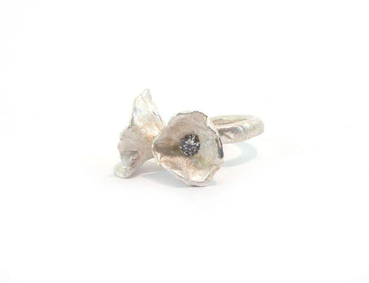 Je eigen zilveren ring maken? Probeer een zilverklei workshop bij Sier Raad Foru in Amsterdam!