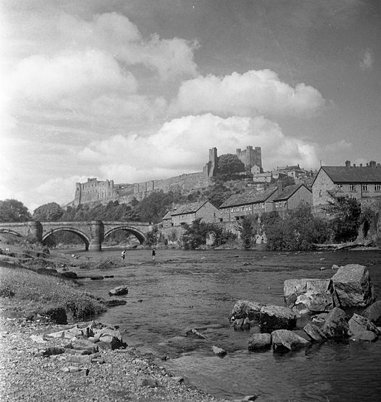 bridgeriver2 - Old Whitby Photos