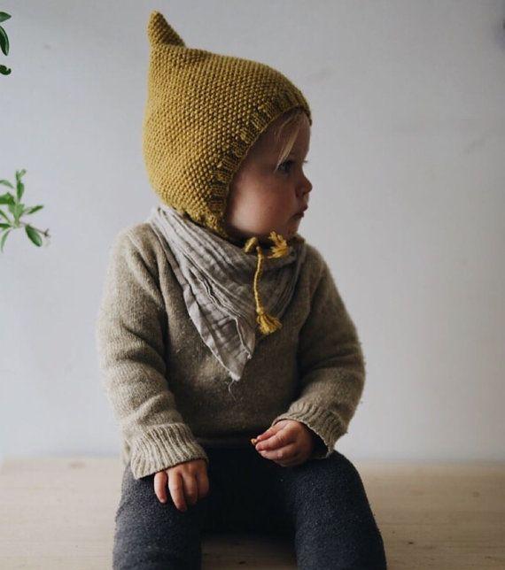 Gestrickte Gnome Pixie Hut - Honey bear
