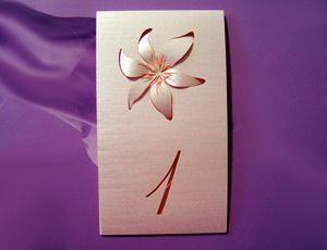 тейбъл карта с лилия
