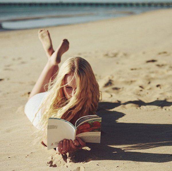 Τα 5+1 καλύτερα βιβλία για την παραλία που θα σου αλλάξουν τη ζωή