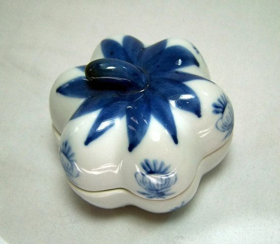 Vintage Trinket Box Blue and White China Garlic by GlimmersinTime, $7.00