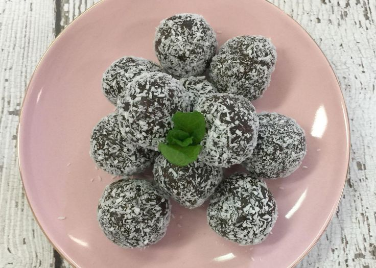 Read our delicious recipe for Choc Weetbix Balls, a recipe from The Healthy Mummy, which is a safe way to lose weight after having a baby.