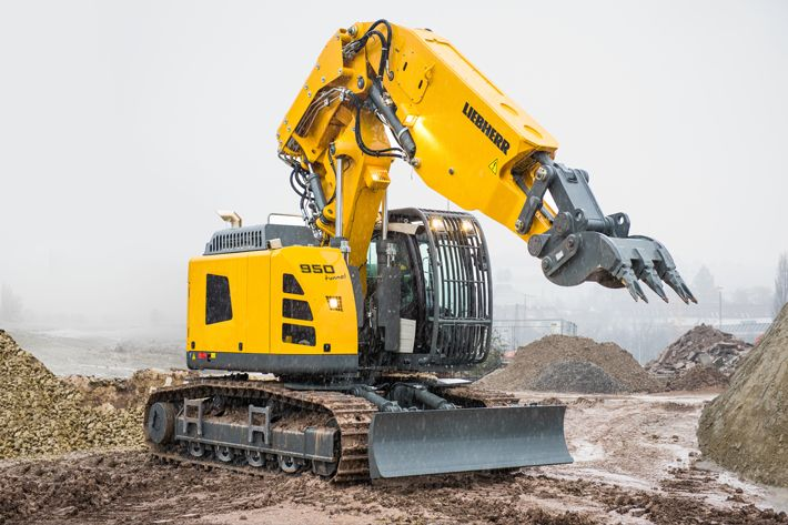The Liebherr R 950 Tunnel crawler excavator impresses with its compact size, high productivity and comfort.