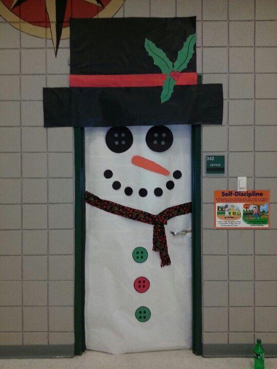 Classroom door decore idea frosty the snowman for Snowman decorations