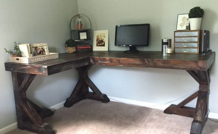 diy corner desk. I love this